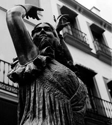 Monumento-Pastora-Imperio