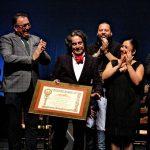 Javier Barón recibe el cariño de su gente de Alacalá en el Festival Joaquín el de la Paula