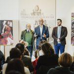 Triana acoge una exposición permanente de los carteles de la Bienal de Flamenco de Sevilla